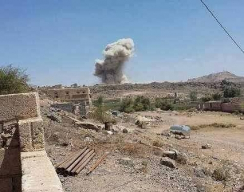طائرة أمريكية تستهدف بصاروخ معسكر للحماية الرئاسية في مسقط رأس هادي وسقوط جرحى