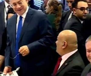 وزير خارجية شرعية المهجر يتبنى موقفا مفاجئا لصالح الحوثيين