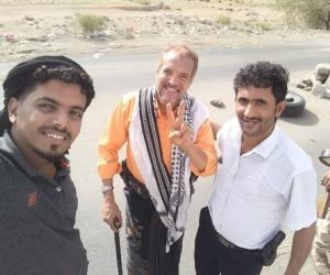 """عــاجــل : الأسير """"أحمد المرقشي"""" حرا طليقا ... جنوبي واحد بـ 33 يمني"""