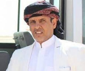 """الشيخ """"باكريت"""": اتفاق الرياض فاشل والمماطلة في تنفيذه ورقة رابحة بيد السفير آل جابر"""