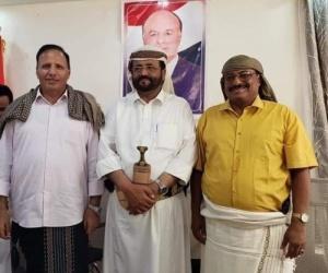 ناشط مأربي : سلطان العرادة يستقبل أعداء التحالف العربي في مقر المحافظة التابع للشرعية
