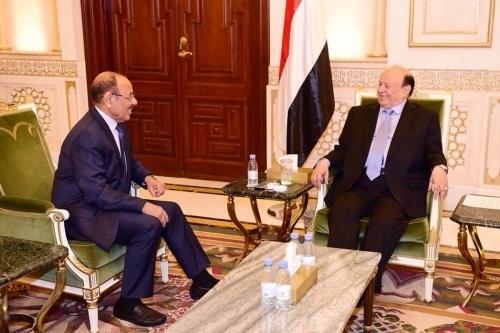 أكدت على انها ستواجه تمرد عدن ..حكومة هادي تجدد مد يدها للسلام مع الحوثيين