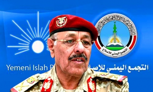 """محلل سياسي يتهم """"علي محسن الأحمر"""" بالدفع لإشعال حرب مناطقية في الجنوب"""