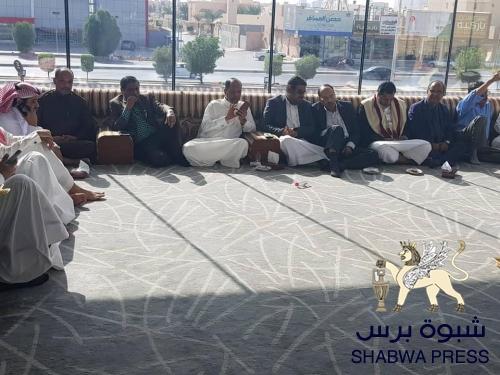 سياسي جنوبي يعلق على الإنفصاليون مع عـدن الوحدويون مع صنعاء