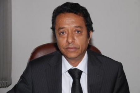 وزير الشئون القانونية اليمني : يكشف عن قانون لاستعادة الأموال المنهوبة