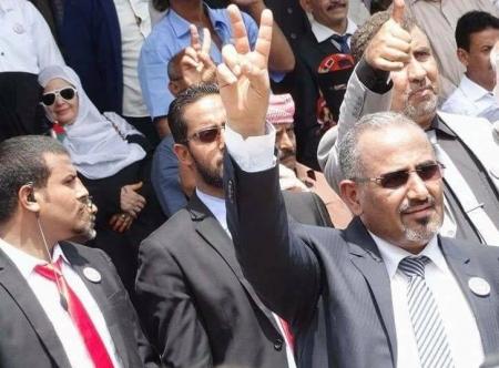 الرئيس الزُبيدي : حذرنا الحكومة من التمادي في استفزاز شعب الجنوب وننتظر رد الأشقاء في التحالف (حوار)