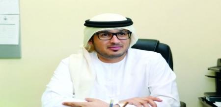 سفير الإمارات لدى اليمن: الوضع في سقطرى صعب للغاية وفرقنا تبذل أقصى جهودها لمساعدتهم
