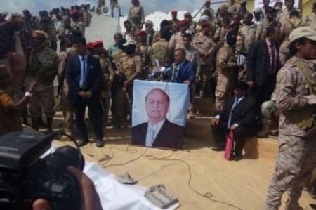بن دغر يقود التصعيد العسكري والسياسي ضد الجنوبيين ويرحب بالحوار مع الحوثيين
