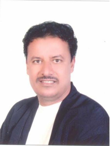 محافظ حضرموت ينعي وفاة الاعلامي المعروف حسين محمد بازياد