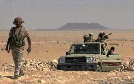 إنسحاب قوات علي محسن الأحمر من معسكر الجبل في مديرية جردان شرق شبوه